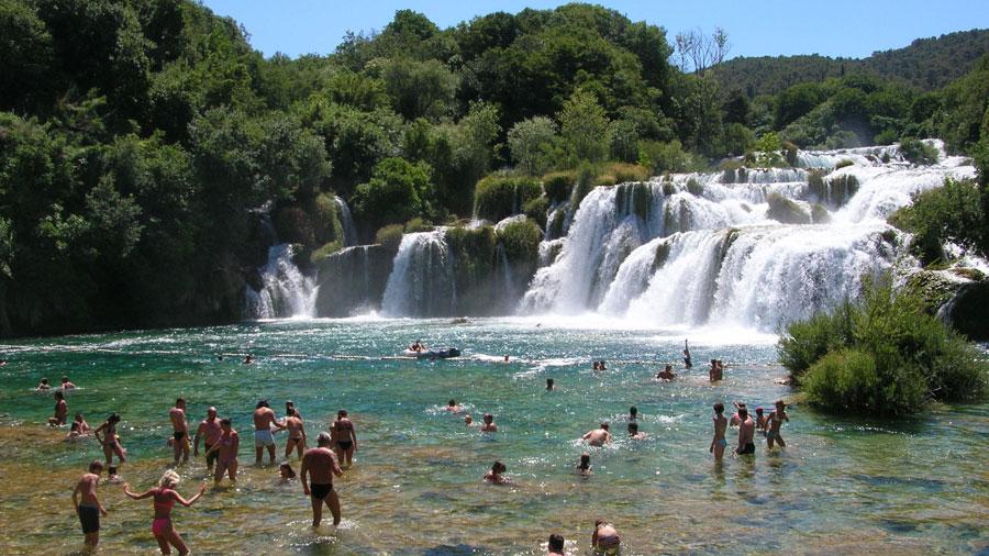 La cataratas del Krka. Un baño en Croacia Playas en el mundo