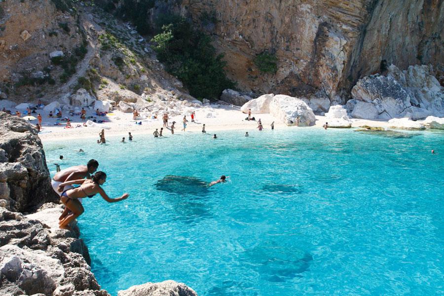 Playas de Cala Marilou Cerde�a Playas del mundo