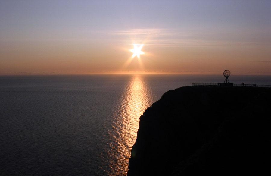 Disfrutar del sol de medianoche en el Cabo Norte en Noruega Playas del mundo