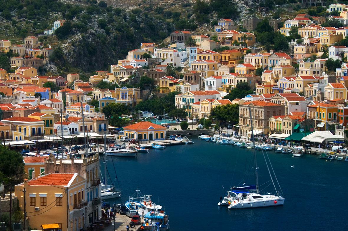 Symi Un pueblo de Grecia que parece una maqueta Playas del mundo