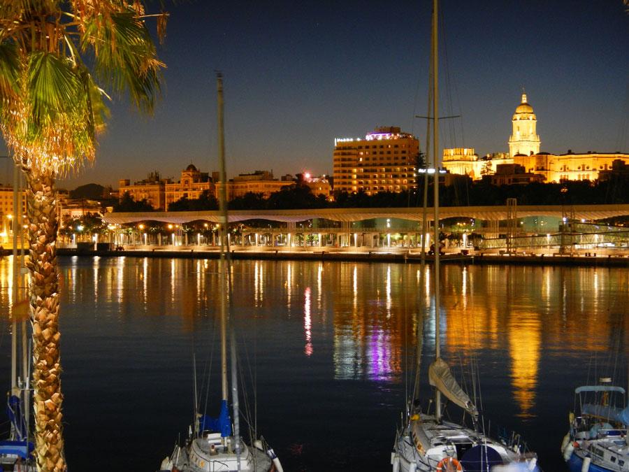 Muelle Uno Andaluc�a, mucho m�s que una calle comercial malague�a  Playas del mundo