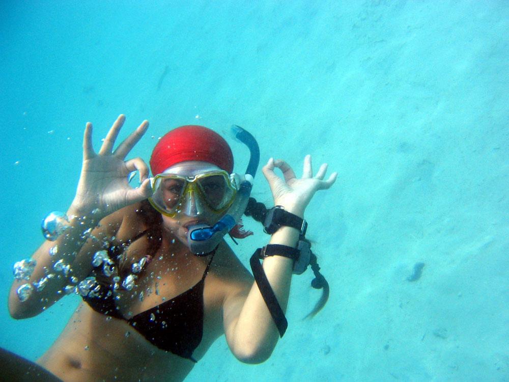 Buceando en Santorini Playas del mundo