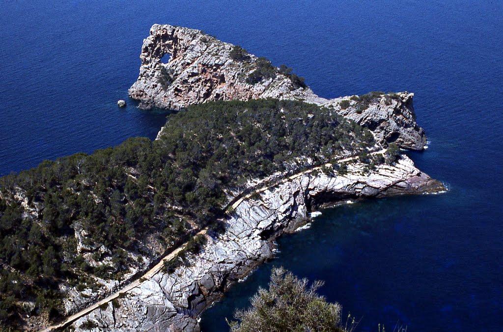 Sa Foradada, el agujero m�s preciado de Mallorca Playas en el mundo