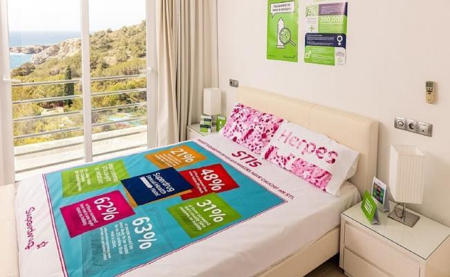 Duerme gratis y aprende en el Condom-inium