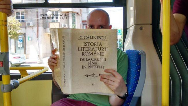 Viajar en autob�s en esta ciudad es gratis si lo haces leyendo un libro